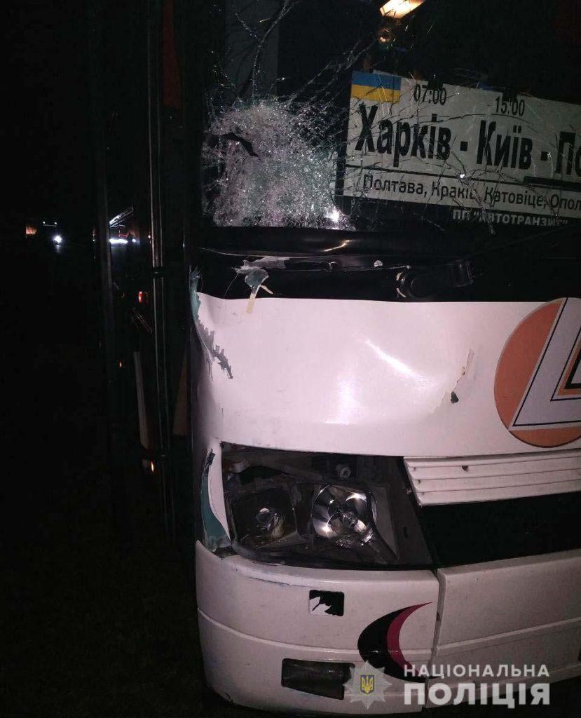 На Радивилівщині сталася смертельна ДТП за участі рейсового автобуса