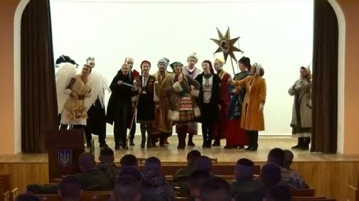 Різдвяний спів: як колядники вітали рівнян зі святом (ВІДЕО)