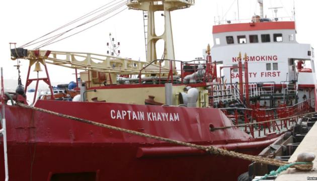 Четверо моряків, яких утримували в Лівії, повертаються в Україну