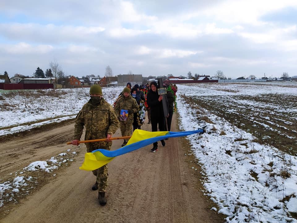 На Дубровиччині попрощалися із загиблим військовим (ФОТО)