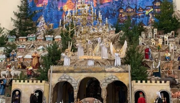 На Західній Україні відкрили найбільшу в країні Різдвяну шопку