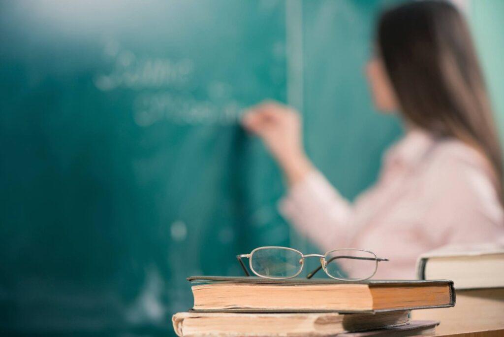 Зарплати вчителів зростуть майже на 20% вже у січні
