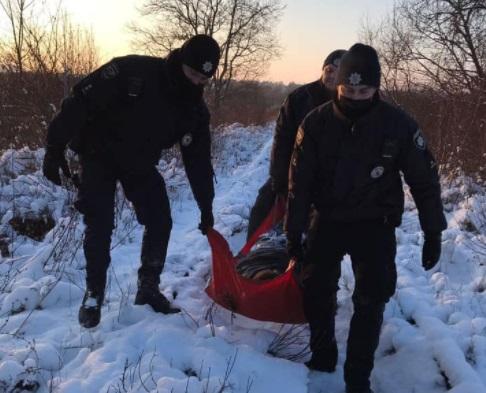 У Рівному врятували чоловіка, який замерз у хащах (ФОТО)