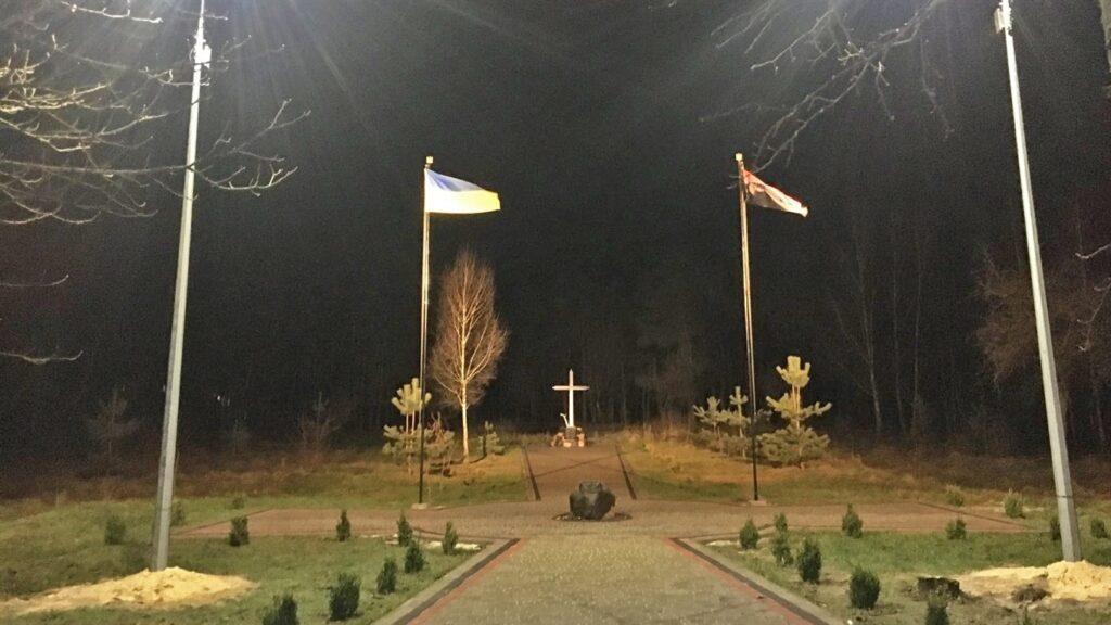 У Володимирці на «Алеї слави» встановили освітлення: обіцяють ще й Wi-Fi