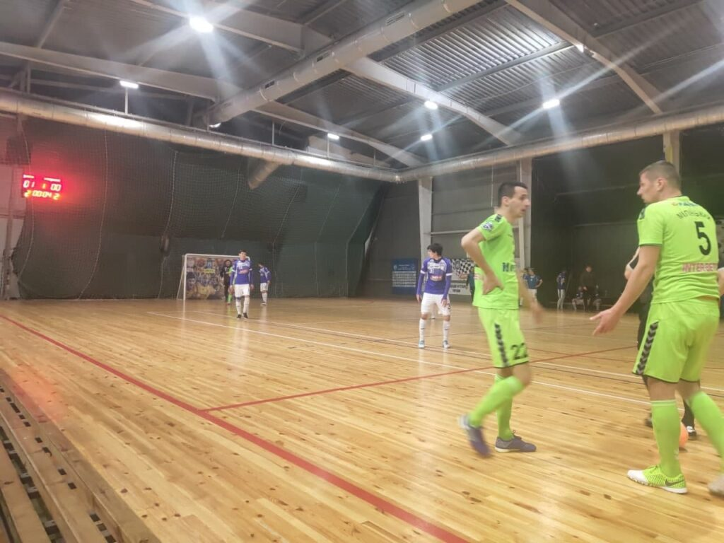 Рівненський футзальний клуб «Кардинал» у Житомирі зіграв із «ІнБевом»