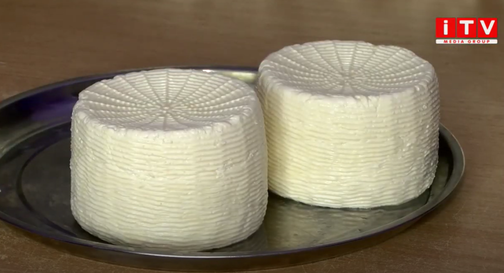 На Рівненщині монахи виготовляють сир (ВІДЕО)