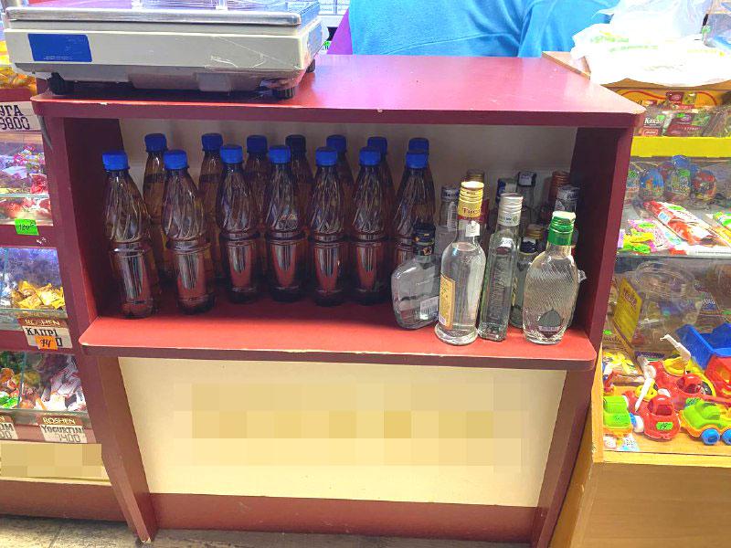 У Рівному із «наливайок» вилучили майже 130 літрів алкоголю (ФОТО)