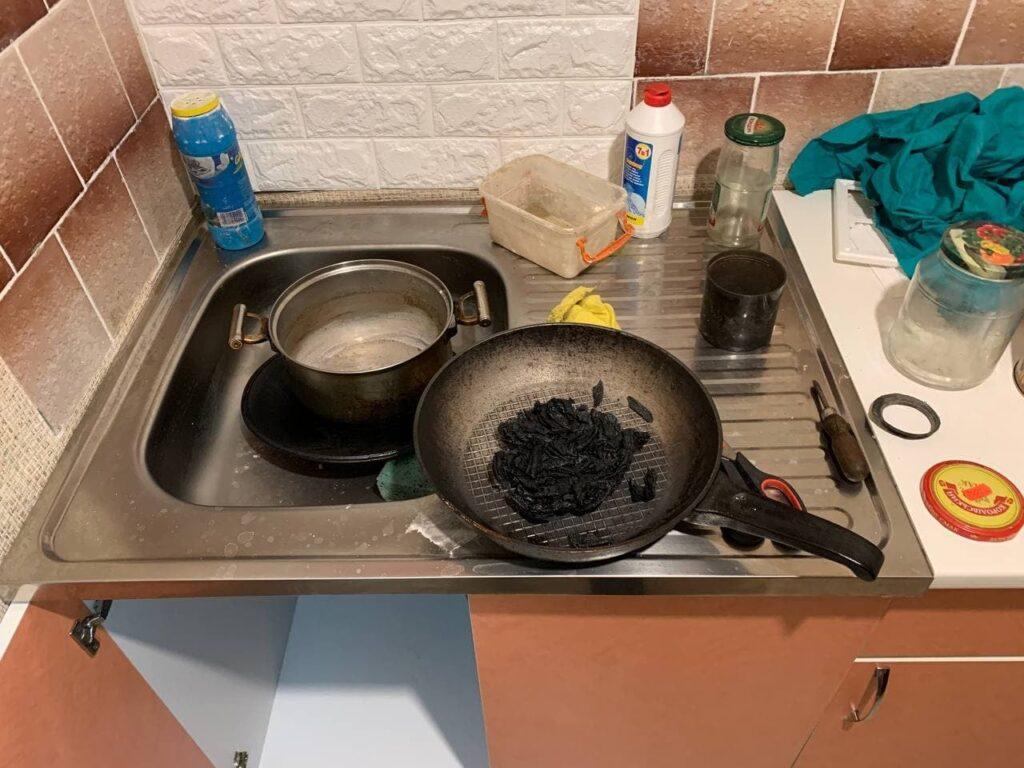 У Рівному чоловік поставив їжу на газову плиту і ледь не загинув