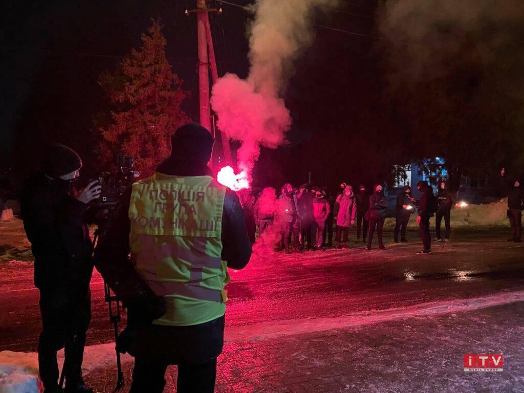Мітинг на підтримку Стерненка у Рівному перемістився до поліції (ВІДЕО)