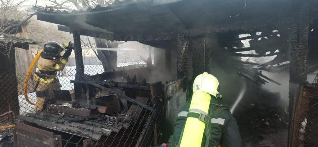У Сарнах  під час пожежі ледь не вибухнув газовий балон