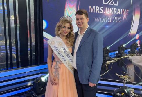 Рівнянка виборола два титули на міжнародному конкурсі краси у Києві