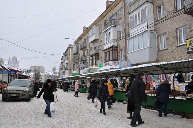 У міськраді Рівного пояснили, чи ліквідують вуличну стихійну торгівлю