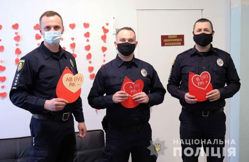 Троє поліцейських з Рівненщини стали Почесними донорами України