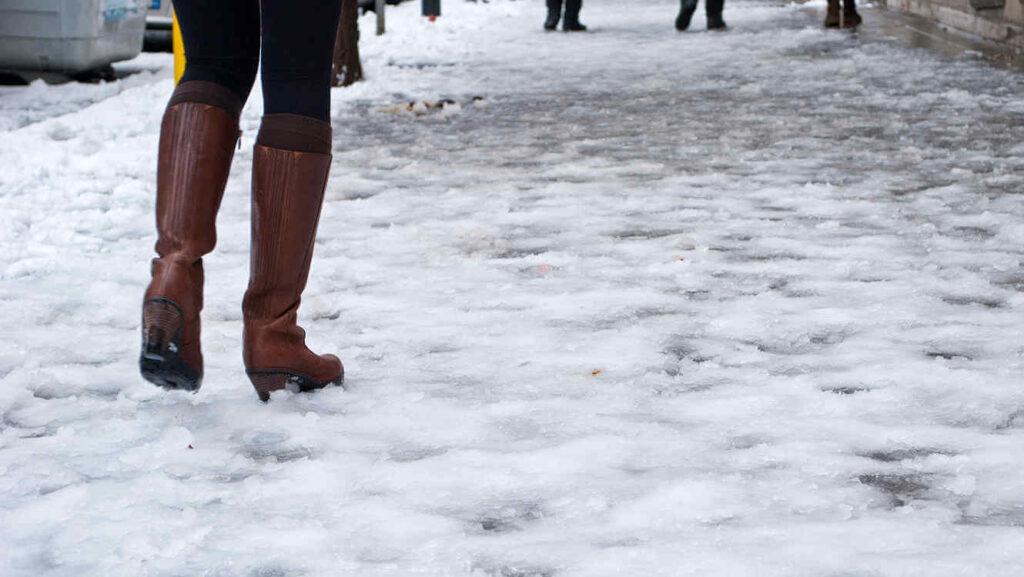 Ожеледицю та мороз прогнозують на Рівненщині