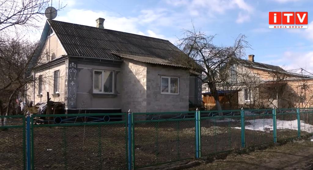 «Очікувана дитина»: сусіди про трагедію з немовлям в Острозі (ВІДЕО)