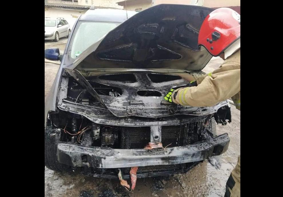 У Дубні ледь не згорів автомобіль