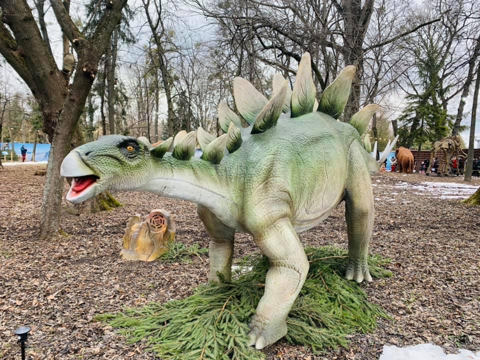 У Рівному ожили динозаври (ФОТО, ВІДЕО)