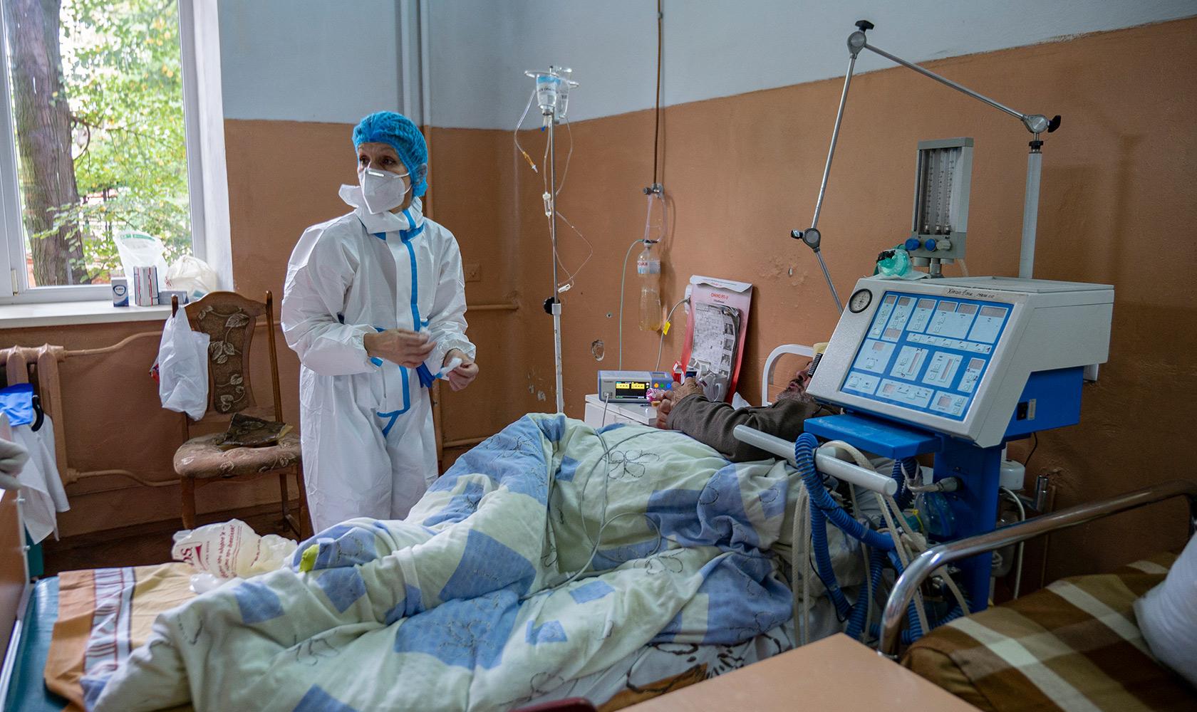 Коронавірус забрав життя трьох пенсіонерів з Рівненщини