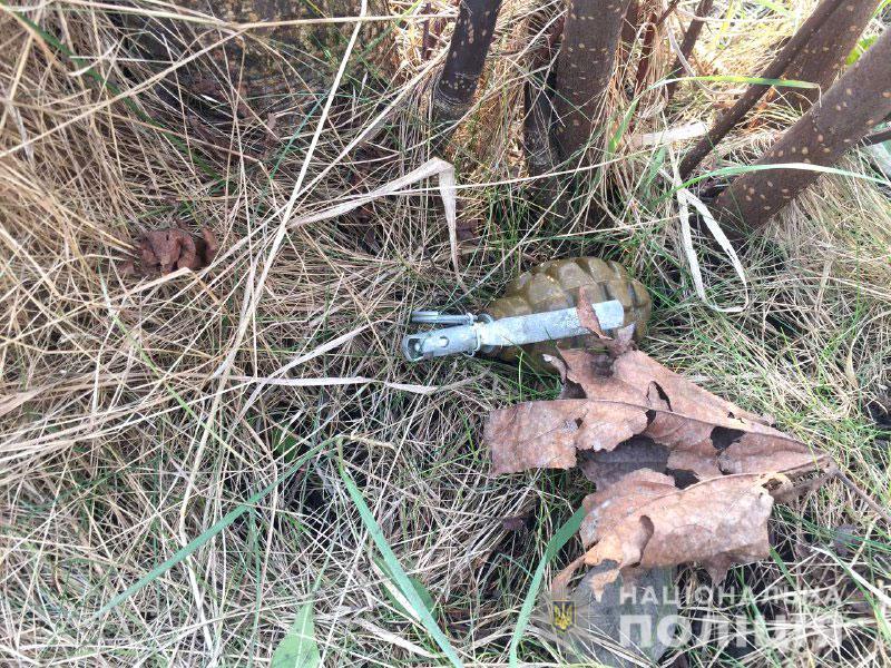 У Рівному біля школи виявили гранату