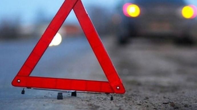 На Рівненщині під колесами вантажівки загинув пішохід