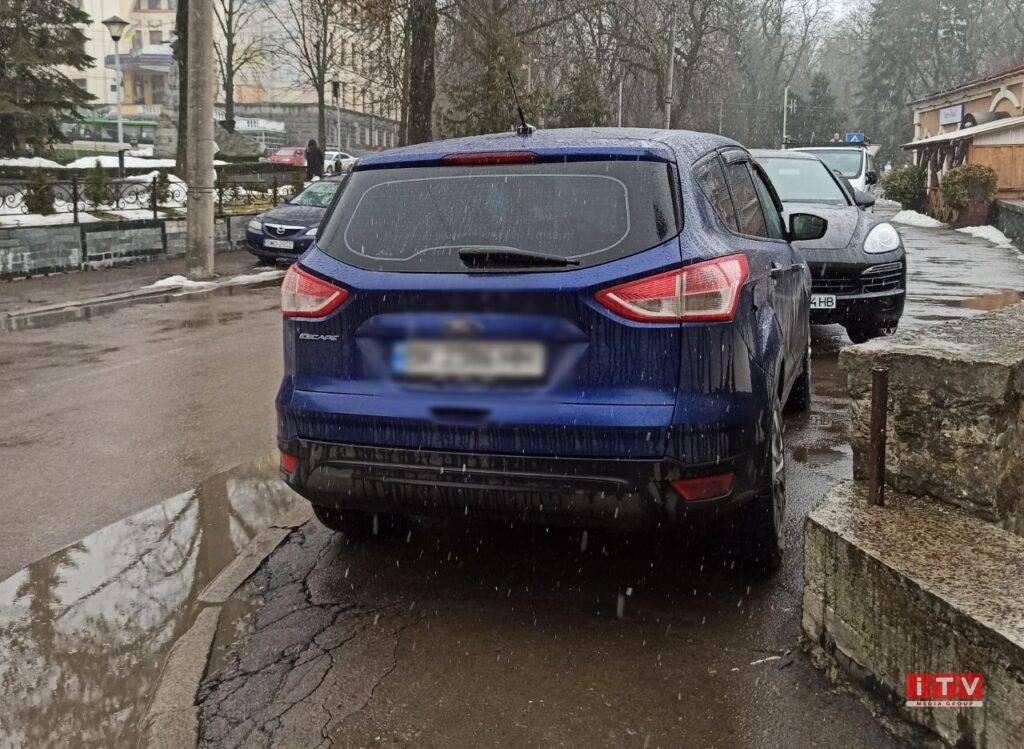 У Рівному 24 інспектори штрафуватимуть за неправильне паркування