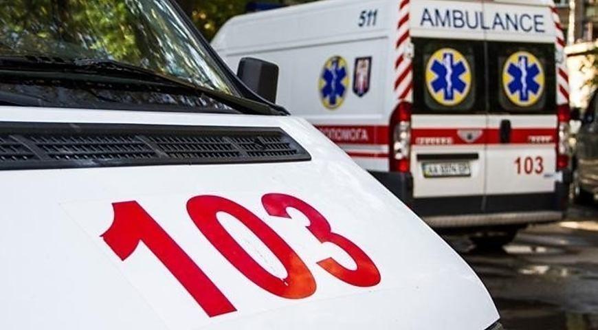 Медики швидкої Рівненщини надали допомогу жінці, яку побив чоловік