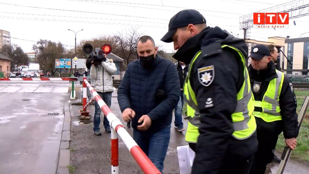 Патрульна поліція Рівненщини перевіряє дороги та вулиці області (ВІДЕО)