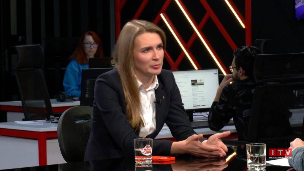 """Соломія Бобровська: """"Монополіст годує українську армію гнилими продуктами"""""""