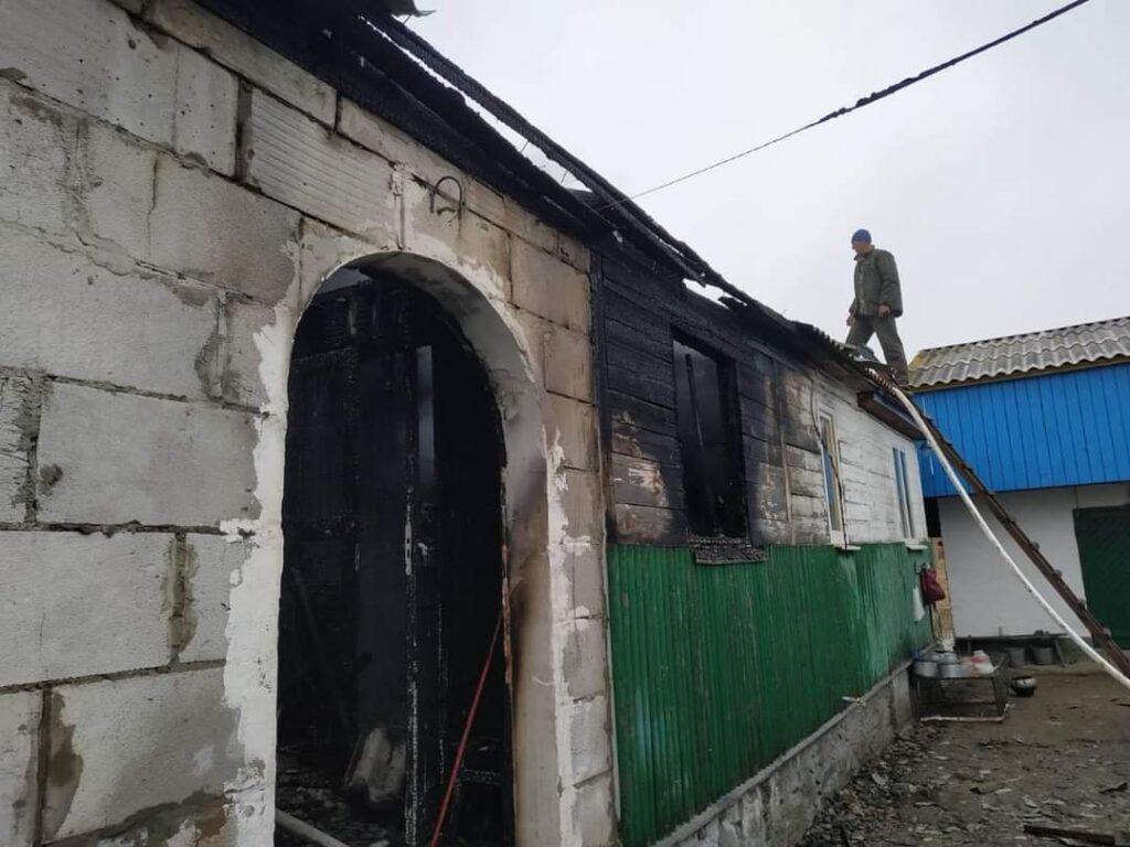 Корецькі вогнеборці ліквідували пожежу у житловому будинку