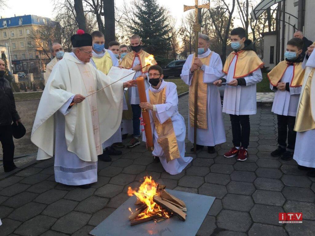 У Рівному християни західного обряду святкують Великдень (ФОТО)
