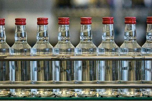 На Рівненщині засудили виробників фальсифікованого алкоголю