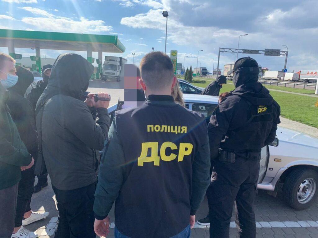 Загрожує до 10 років: на Рівненщині затримали голову ТГ за отримання хабара