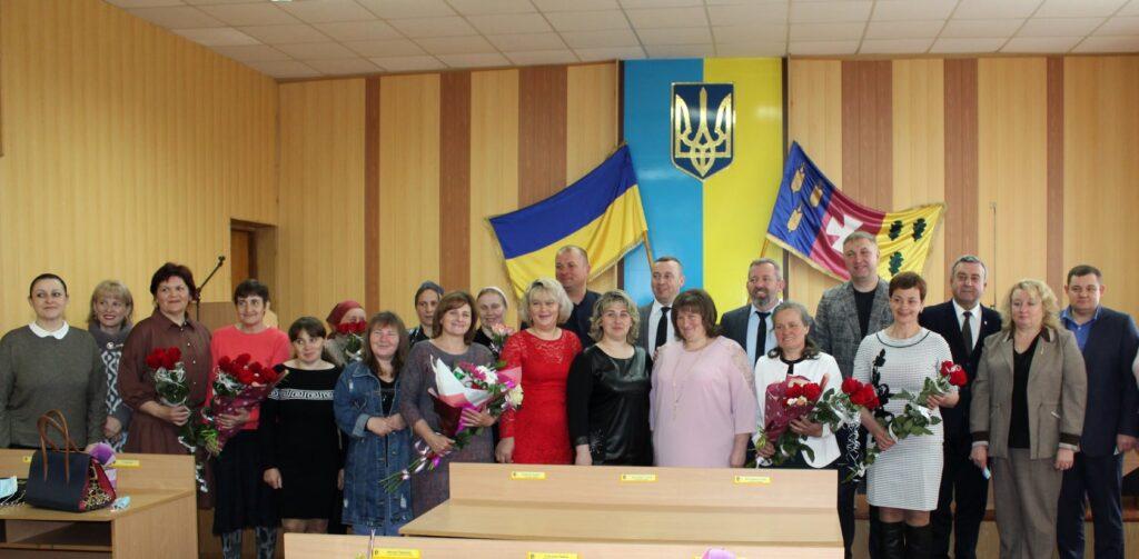 На Рівненщині багатодітні матері отримали відзнаки «Мати-героїня» (ФОТО)