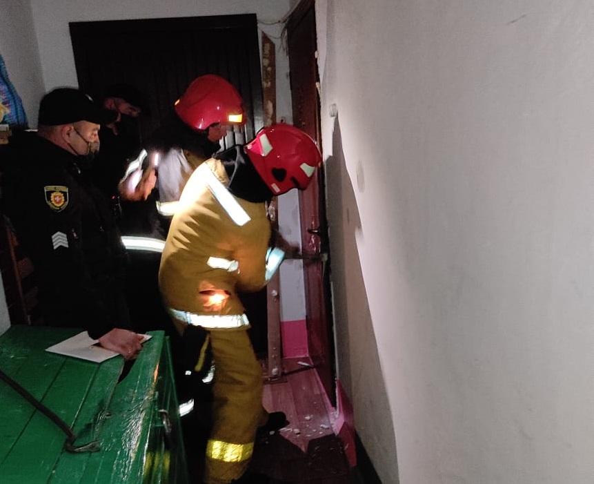 На Рівненщині рятувальники допомогли психічно хворій жінці