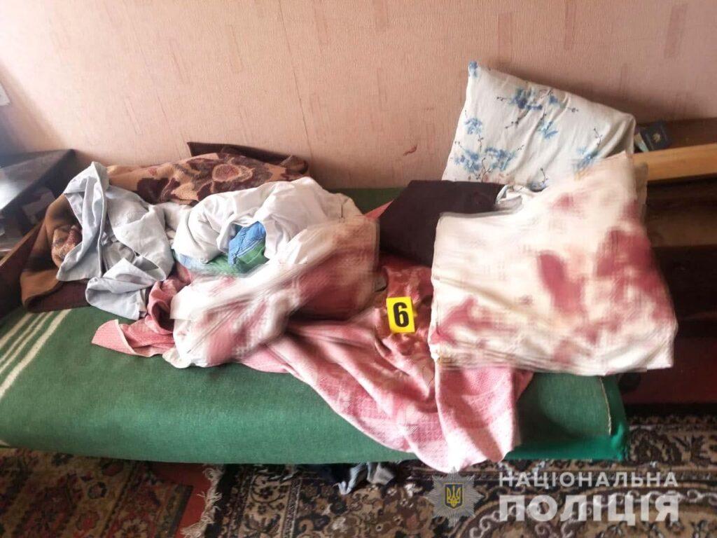 Загрожує до восьми років: на Рівненщині п'яний батько вдарив ножем сина