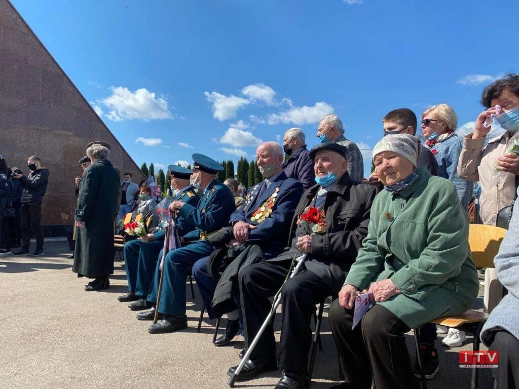День Перемоги над нацизмом відзначають у Рівному (ФОТО)