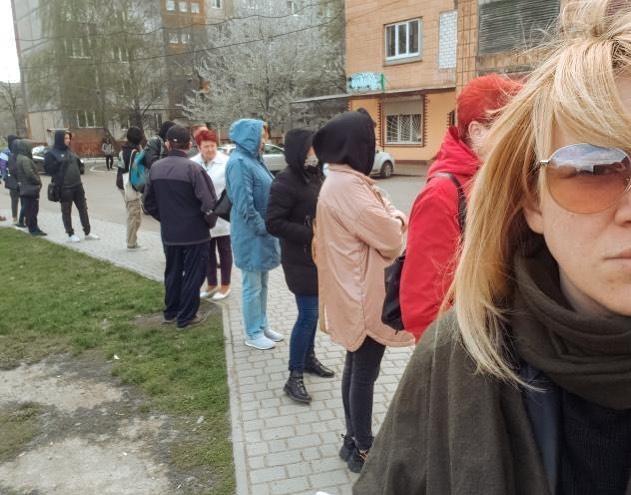 """""""Зробили обмеження, пустіть більше транспорту,"""" – жителі Квасилова не можуть доїхати до Рівного"""
