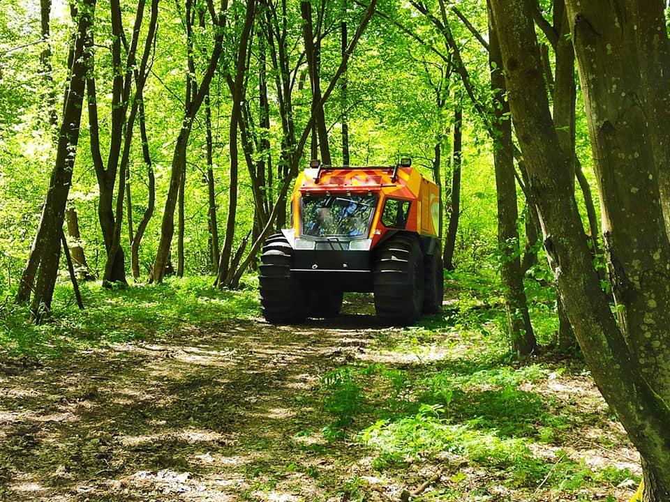 На Поліссі рятувальники випробували вітчизняний всюдихід (ВІДЕО)