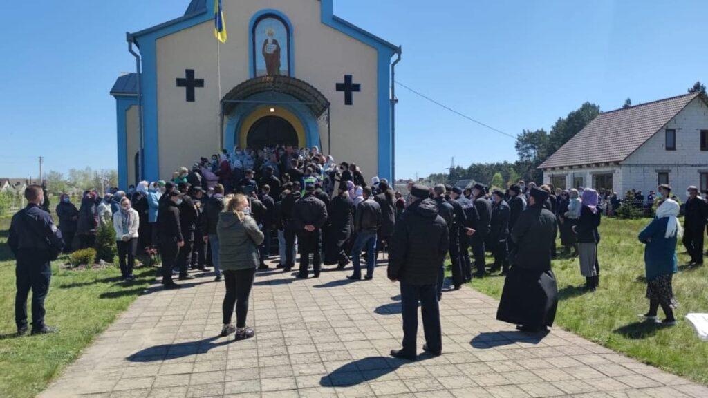 Конфлікт у Заболотті: ПЦУ звинувачує правоохоронців у неправомірних діях