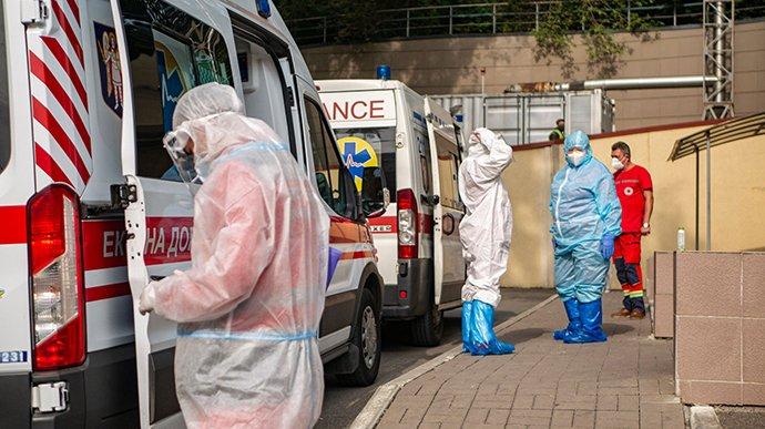 В Україні за добу виявили понад 2,5 тисячі нових випадків коронавірусу
