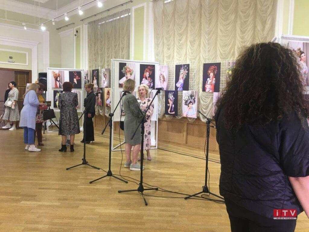 У Рівному відкрили виставку присвячену жіночій красі (ФОТО)