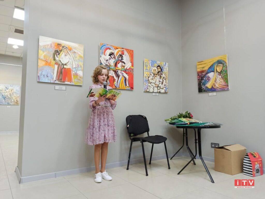 У Рівному презентувала книгу дівчинка, яка долає важку недугу (ФОТО)