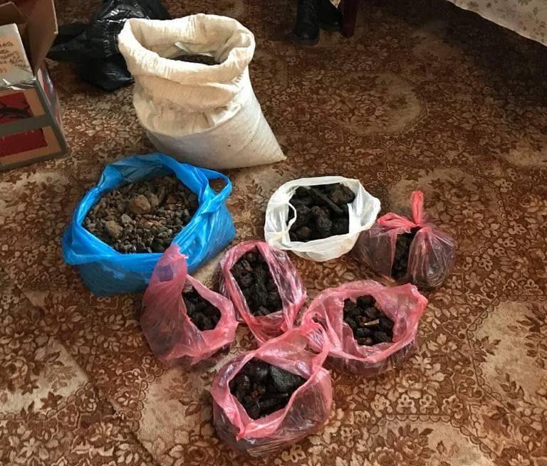 Три роки за гратами може провести житель Рівненщини за 39 кг бурштину