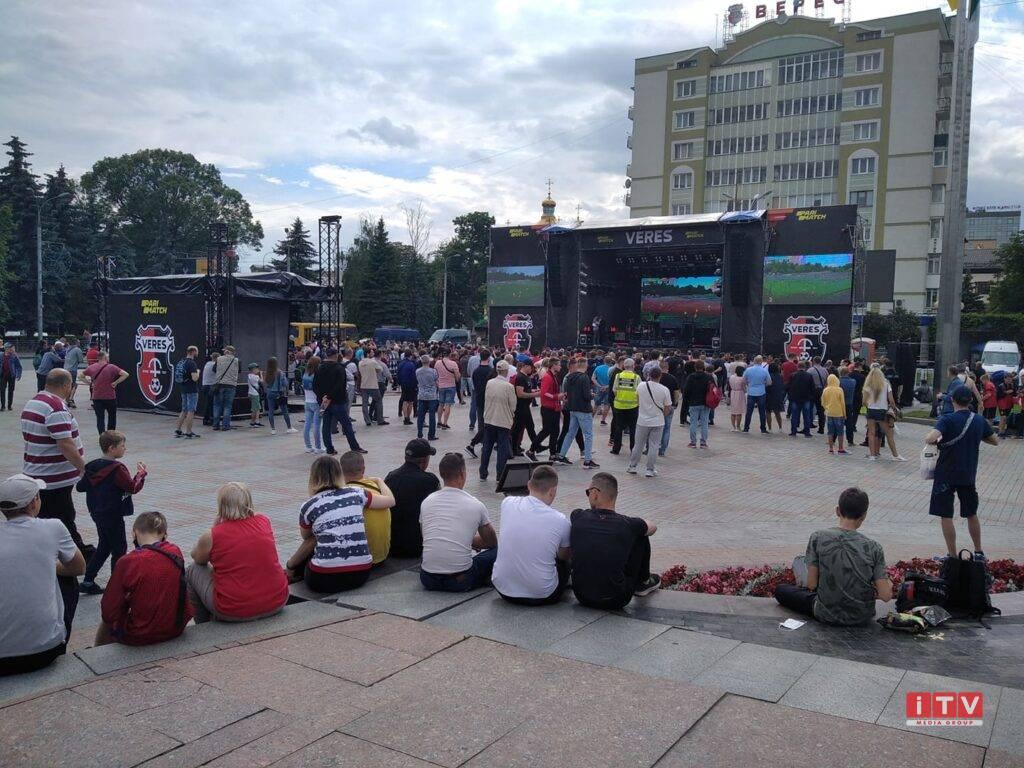 День Вереса у Рівному: на Майдані триває святкування