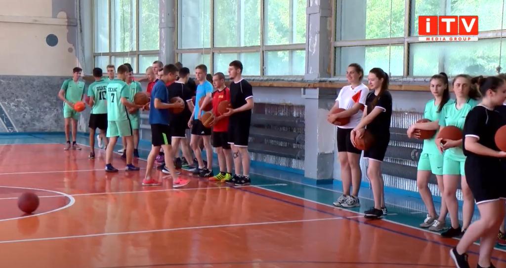 Представники БК «Рівне» вчили студентів баскетболу (ВІДЕО)