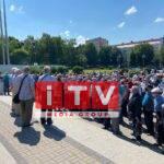 Під стінами Рівненської ОДА пікетують пенсіонери (ФОТО)